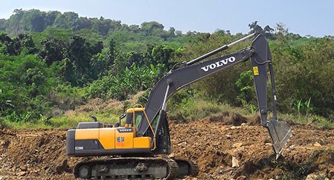 Indonesian contractor builds logistics business on Volvo